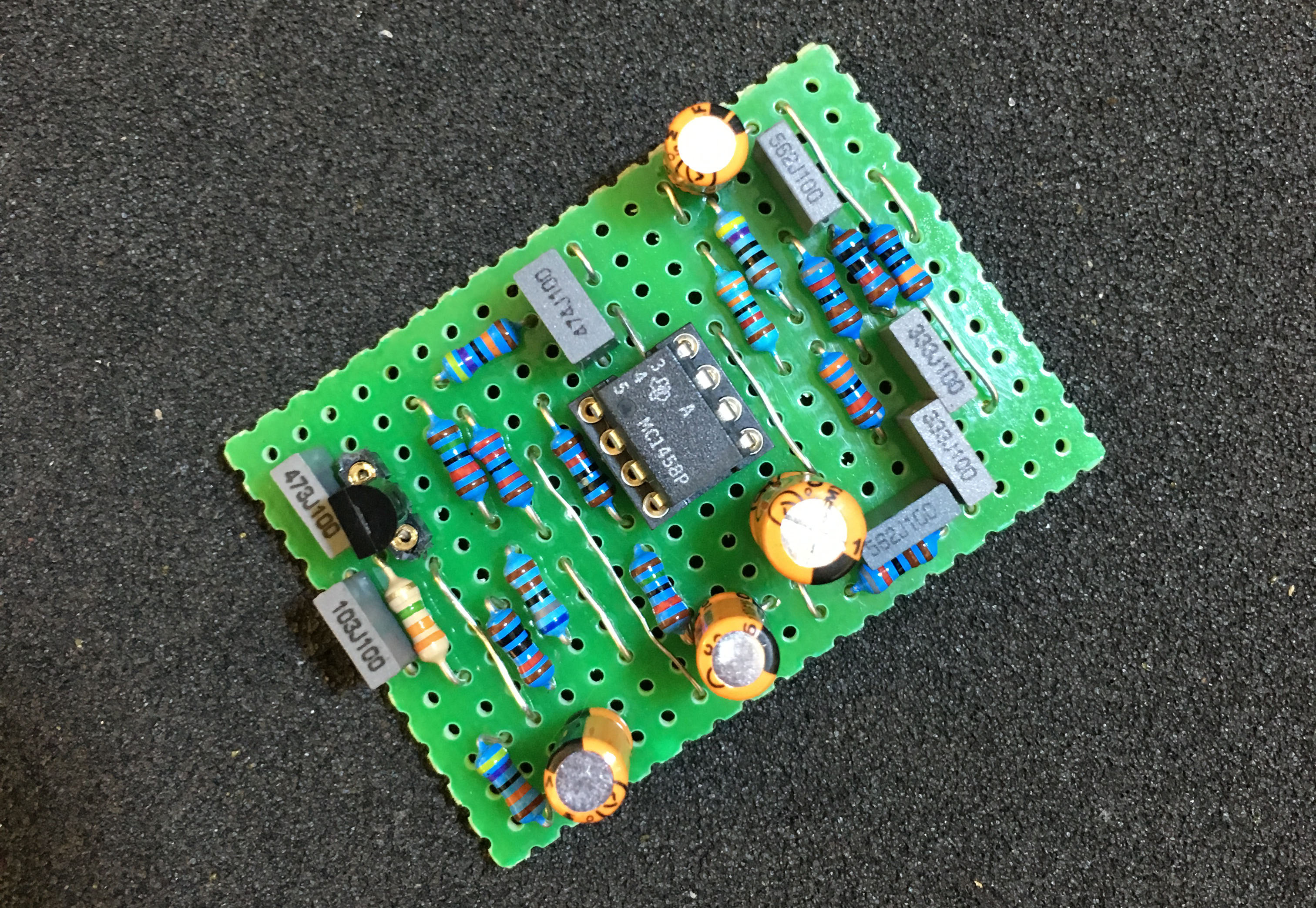 The Edge Of Your Seat Build Own Boss Fa 1 Fet Amplifier Tone Dan Amstrong Blue Clipper Guitar Effect Circuit Diagram Step 6 Insert Semiconductors Into Their Sockets And Solder If Not Using A Transistor Socket Bend Leads Clip